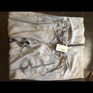 Light weight trouser jeans